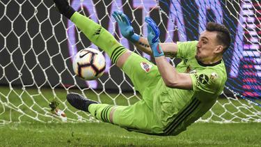 Armani paró dos penaltis a los jugadores del Cruzeiro.