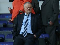 Bolton Wanderers-voorzitter Phil Gartside overleed woensdag op 63-jarige leeftijd na hevige ziekte. (10-02-2016)