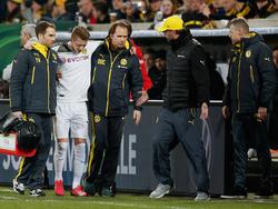 Marco Reus (2.v.l.) musste gegen Dresden verletzt ausgewechselt werden