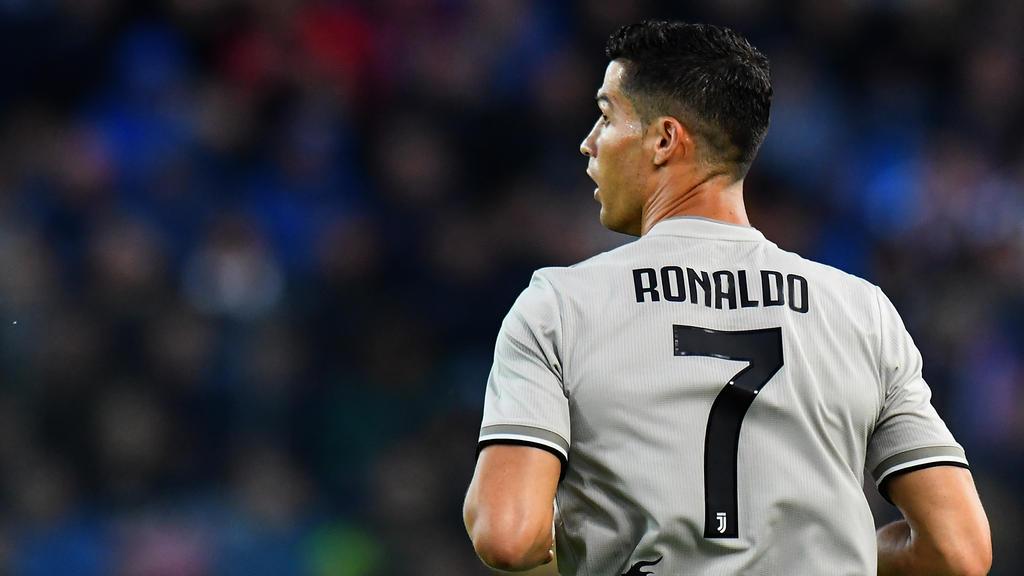 Cr7 Rückkehr Cristiano Ronaldo Trifft Mit Juventus Turin