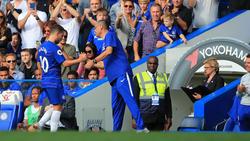 Hazard se marcha al vestuario tras una sustitución. (Foto: Getty)