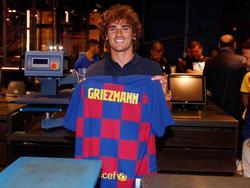 Griezmann posa con su nueva camiseta.