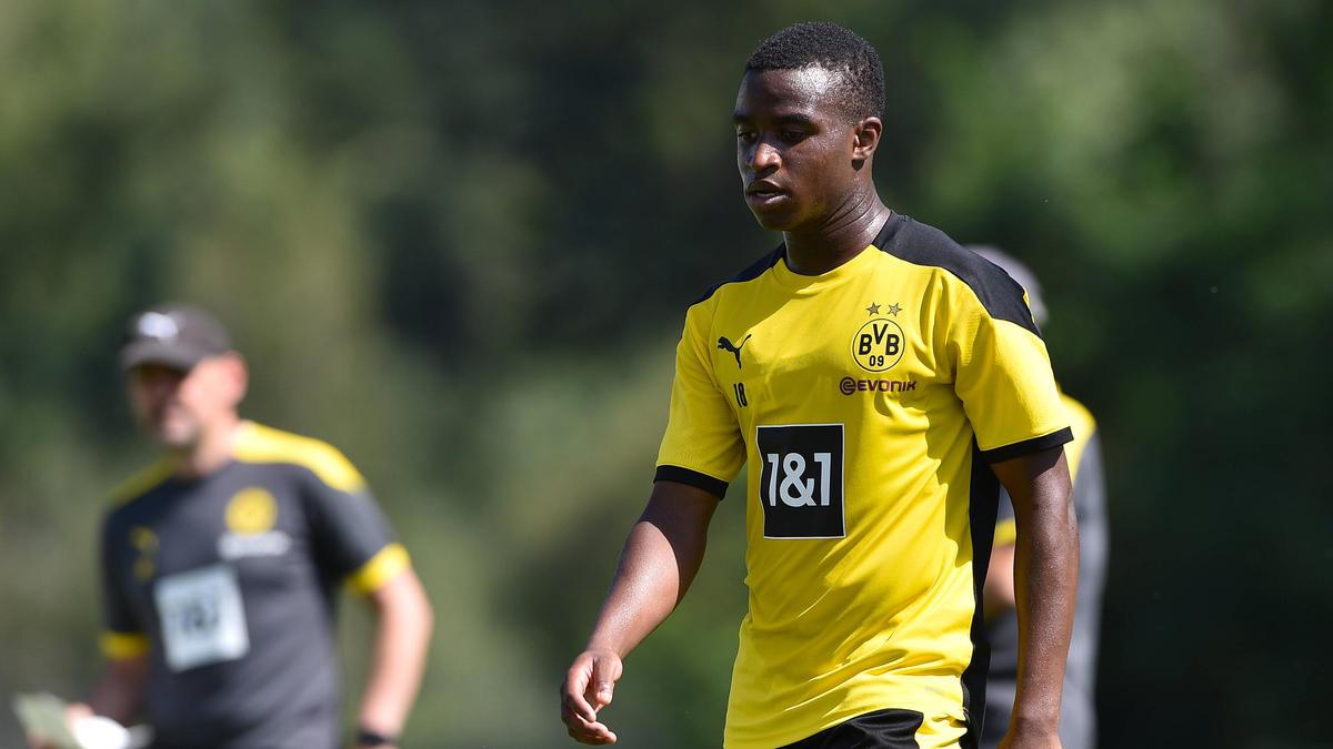 BVB-Juwel Youssoufa Moukoko holte sich Rat bei Donis Avdijaj