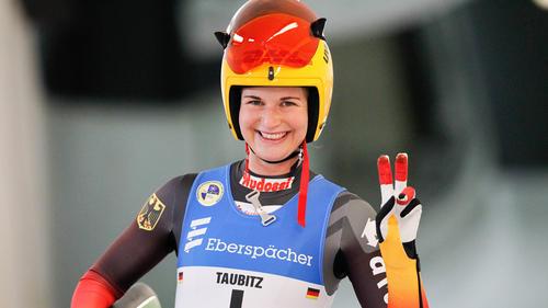Julia Taubitz gewann zum Auftakt