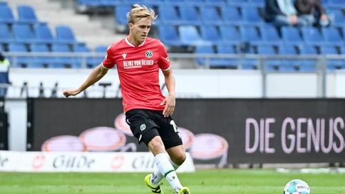 Timo Hübers soll das Interesse des HSV, 1. FC Köln und von Werder Bremeng geweckt haben