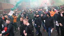 Die Fans von Manchester United schossen zum Teil weit über ihr Ziel hinaus