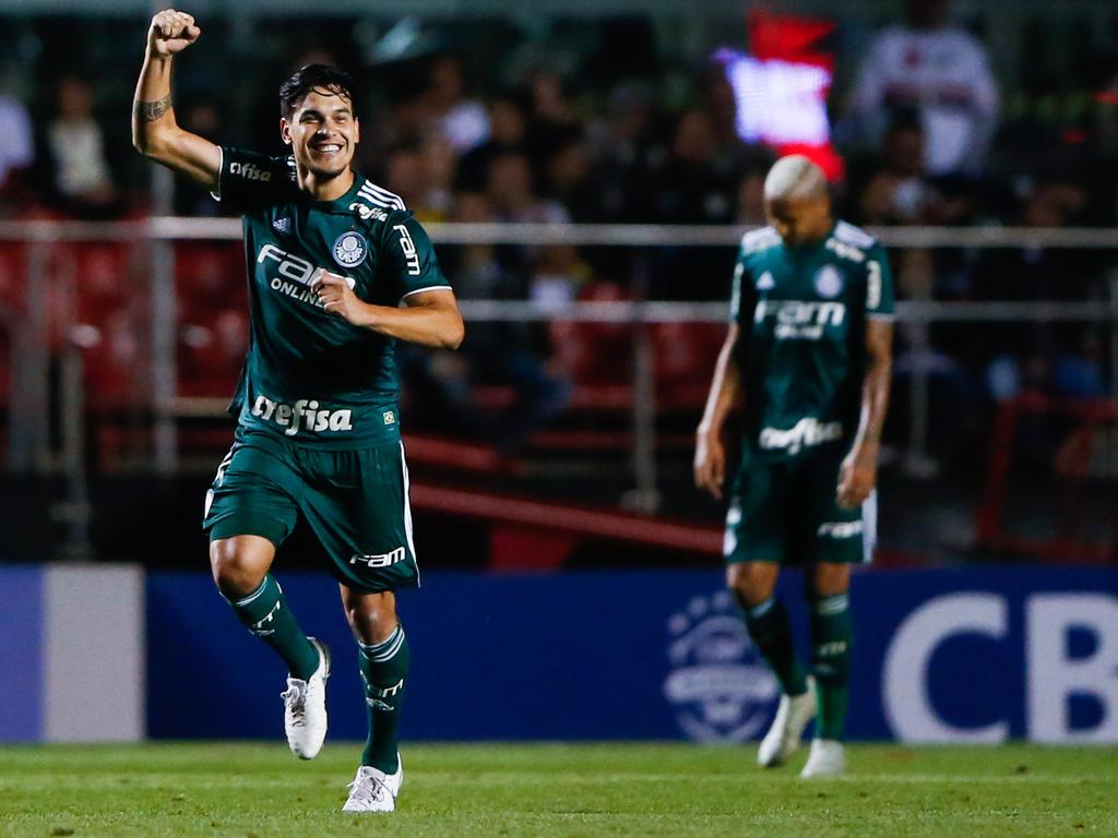 Gustavo Gómez celebra su tanto en campo rival. (Foto: Imago)