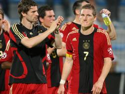 Arne Friedrich (l.) traut Bastian Schweinsteiger in den USA einiges zu