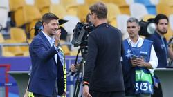 Bewundert Trainer Jürgen Klopp: Liverpool-Ikone Steven Gerrard (l.)