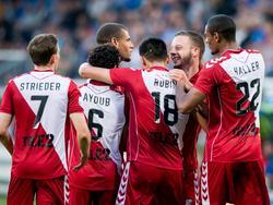 FC Utrecht viert de 1-2 van Bart Ramselaar (tweede van rechts) tijdens het competitieduel sc Heerenveen - FC Utrecht (12-08-2016).