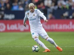 Theo conduce la pelota en un partido ante el Málaga. (Foto: Imago)