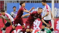 Durfte mit Vissel Kobe endlich wieder über einen Sieg jubeln: Lukas Podolski
