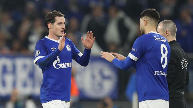 Sebastian Rudy (l.) konnte im Trikot des FC Schalke 04 noch nicht glänzen