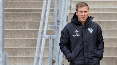 Trainer Hannes Wolf bereitet sich mit dem HSV auf das Spiel in Duisburg vor