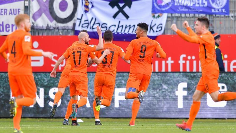 Erzgebirge Aue bezwang den SV Sandhausen klar