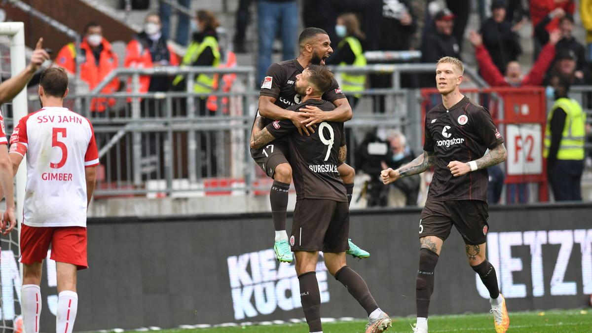 St. Pauli besiegt Regensburg mit zwei Toren