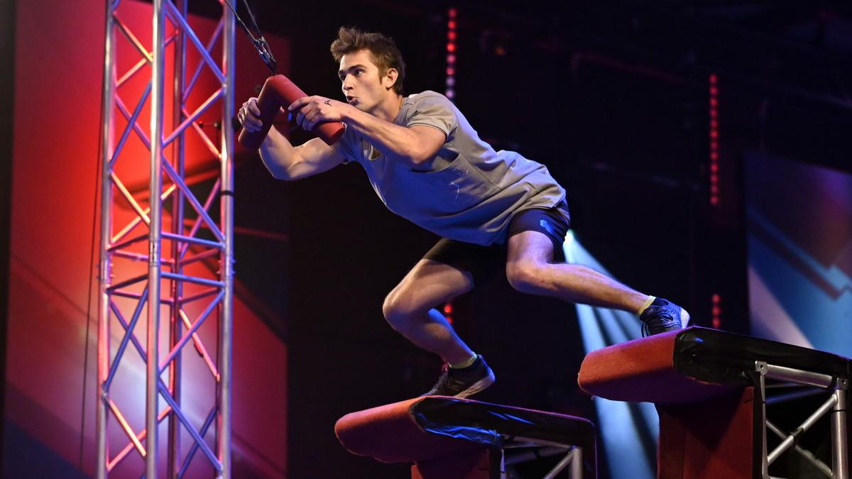 Simon Brunner will bei Ninja Warrior Germany ins Halbfinale hüpfen