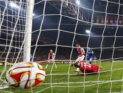 Ajax krijgt een tegendoelpunt tijdens de verlenging in duel met Dnipro Dnipropetrovsk waardoor het is uitgeschakeld in de Europa League. (19-03-2015)