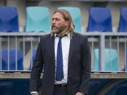 René van Eck tijdens het treffen tussen FC Den Bosch en NEC Nijmegen (24-04-2015)