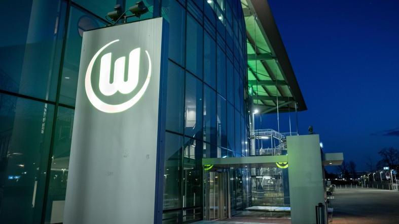 Der VfL Wolfsburg hat in der Corona-Krise bei einigen Mitarbeitern auf Kurzarbeit umgestellt