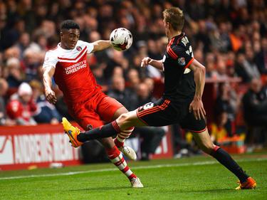 Joe Gomez (l.) wechselt zu Liverpool