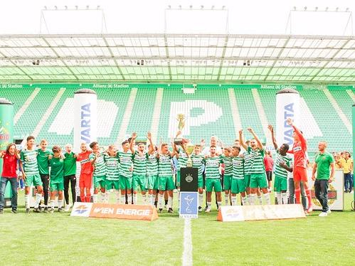 Rapids U15 feiert den Turniersieg. © SK Rapid Wien