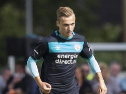 Middenvelder Marcel Ritzmaier krijgt in de voorbereiding van PSV speelminuten tegen de amateurs van VV Dongen. (02-07-2016)