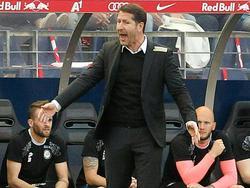 """""""Nur nicht abheben"""", scheint sich der Sturm-Coach zu denken"""
