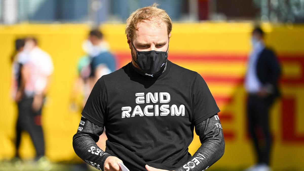 Valtteri Bottas stand nach dem Crash beim Toskana Grand Prix in der Schusslinie