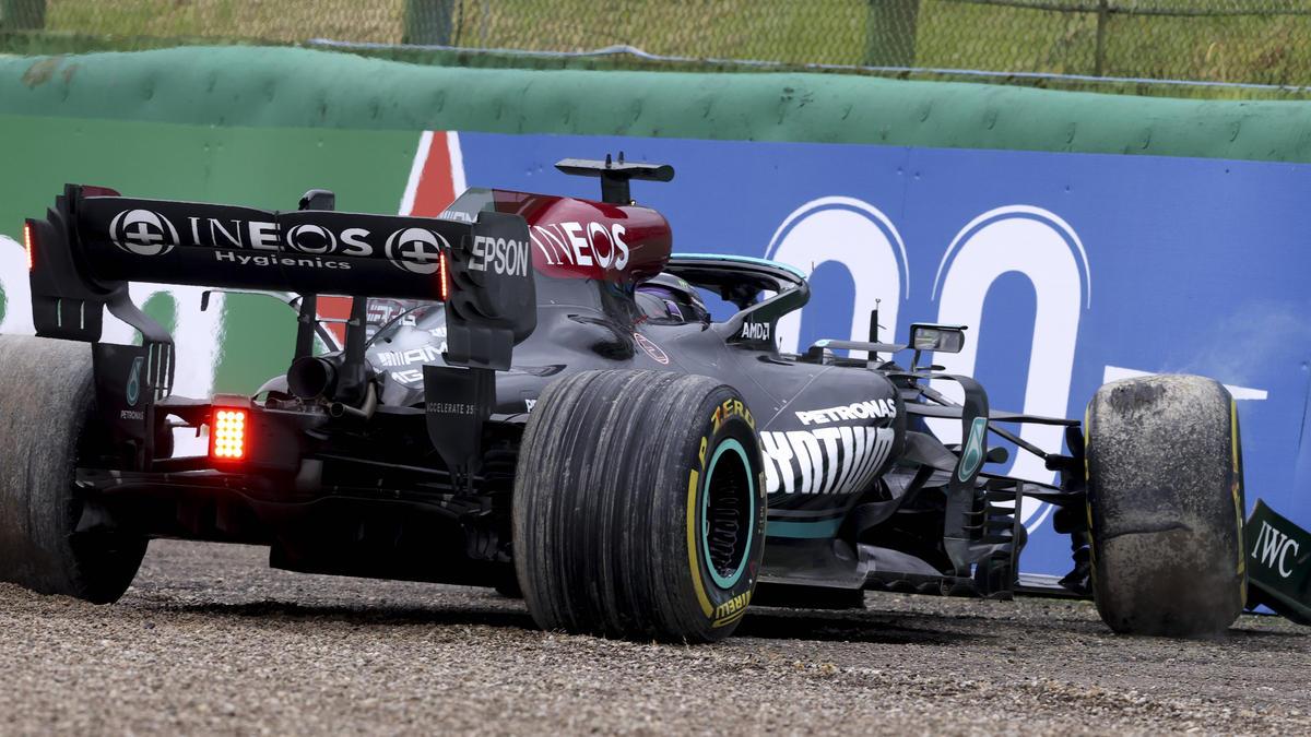 Lewis Hamilton stand beim Rennen in Imola unfreiwillig im Fokus