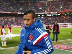 Richairo Živković mag zijn trainingspak zometeen uittrekken om zijn debuut in de Eredivisie te maken voor Ajax in de wedstrijd tegen FC Utrecht. (14-12-2014)