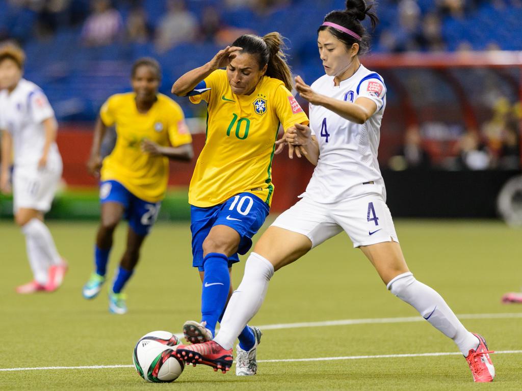 Marta aprovechó un penalti sobre Formiga para sellar el 2-0 a los 53 minutos. (Foto: Getty)