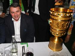 Klaus Allofs freut sich über die Pokalauslosung