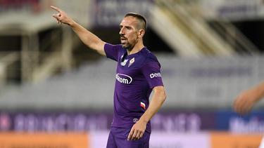 Franck Ribéry con la indumentaria de la Fiorentina.
