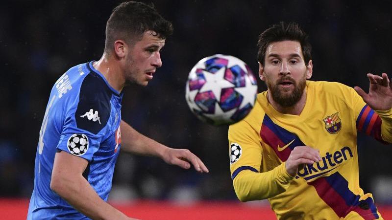 Ist mit dem SSC Neapel gegen Lionel Messi (r.) und den FC Barcelona gefordert: Diego Demme