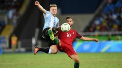 Santiago Ascacíbar  (l.) steht erneut im Kader der argentinischen Nationalmannschaft