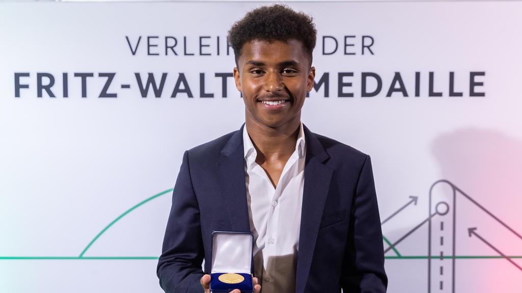 Karim Adeyemi erhielt erst jüngst die Fritz-Walter-Medaille des DFB
