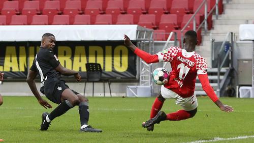 Moussa Niakhaté verursachte einen Handeltmeter gegen Gladbach