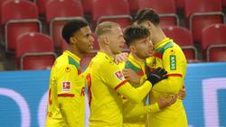 Der 1. FC Köln jubelt über den Treffer von Elvis Rexhbecaj