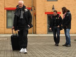 Trainer André Hofschneider (vorne) und Sportchef Lutz Munack werden bei Union Berlin degradiert