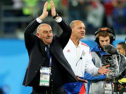 Stanislav Cherchesov steht mit Russland im Achtelfinale