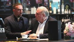 Franck Ribéry (l.) und Uli Hoeneß im Gespräch