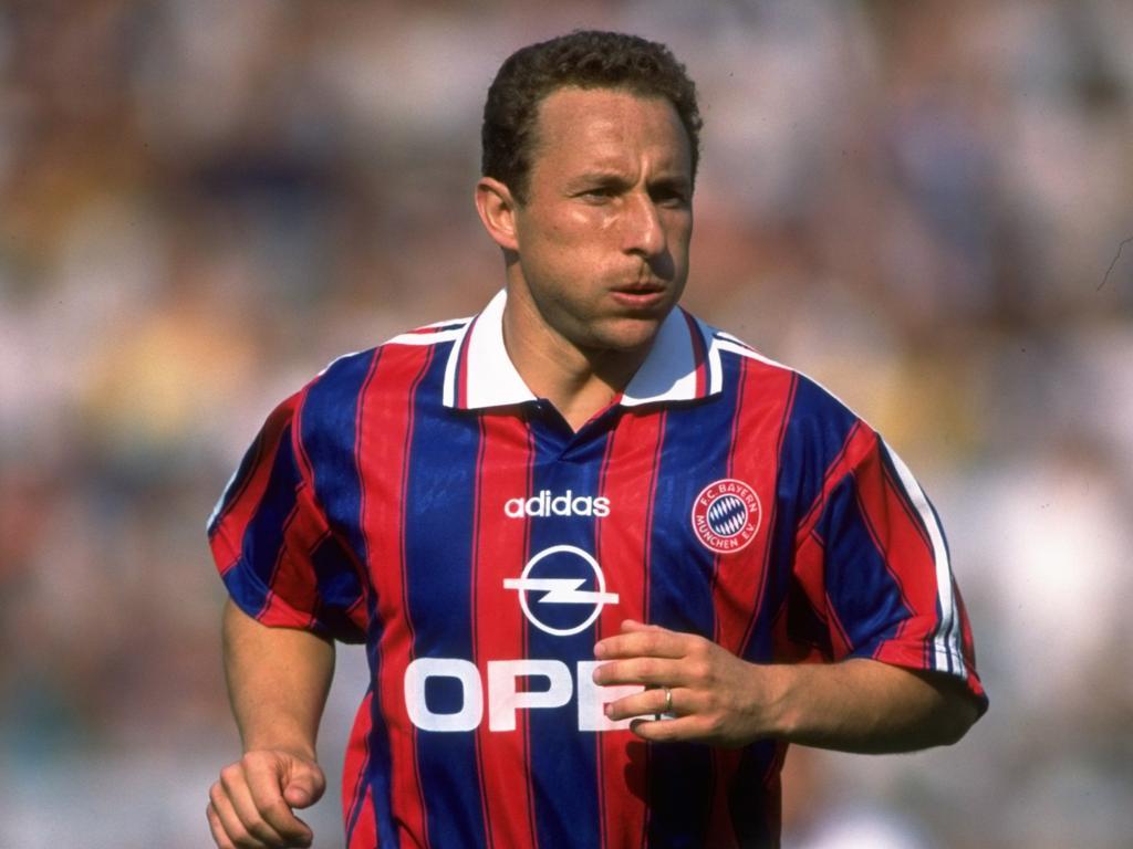 1963 Jean-Pierre Papin wird in Boulogne-sur-Mer, Frankreich geboren.