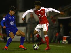 Gedion Zelalem (r.) soll kurz vor einem Wechsel zum BVB stehen