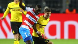 Marvelous Nakamba (li.) soll das Interesse des 1. FC Köln geweckt haben
