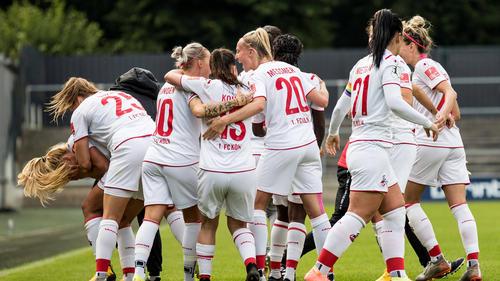 Der 1. FC Köln jubelt über den Treffer von Rachel Rinast