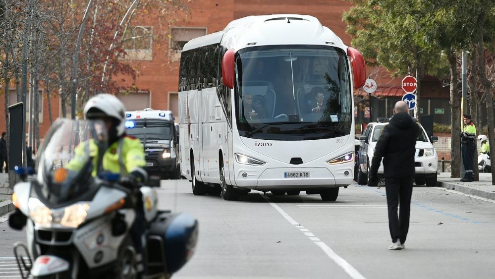 Der Mannschaftsbus von Real Madrid wurde attackiert