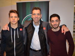 General Manager Ali Hörtnagl mit Michael Augustin (links) und Rami Tekir (rechts)