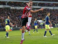 Luuk de Jong van PSV viert de 1-1 die hij zelf net binnen kopt tegen Ajax. (01-03-2015)