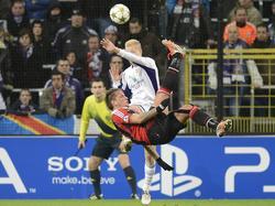 Philippe Mexès erzielt 2012 gegen den RSC Anderlecht ein denkwürdiges Tor
